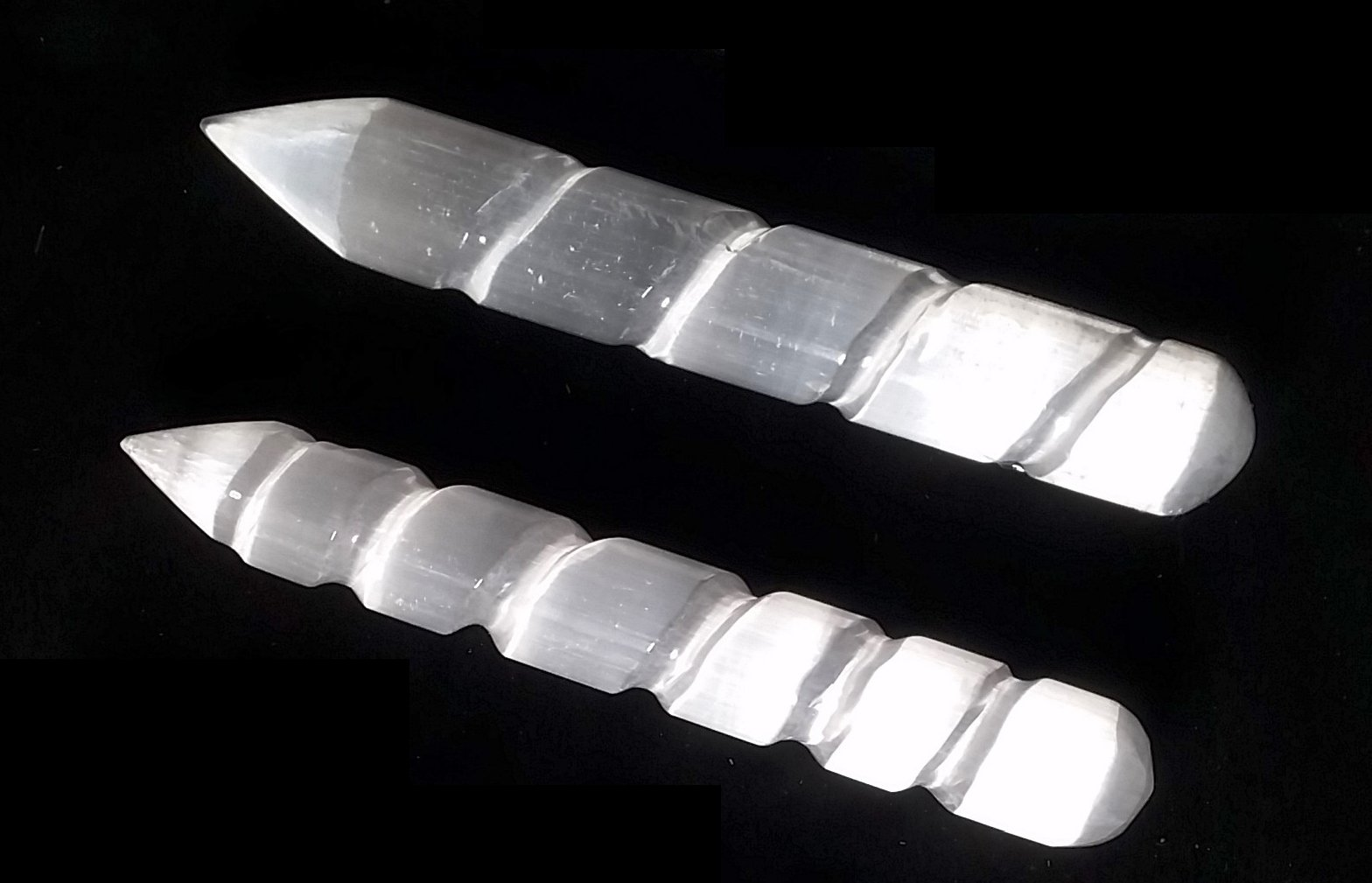 An amazing stone of cleansing and clearing, Selenite naturally dispels negative energy, removes energy blocks, and charges and amplifies other stones. Never needing clearing of its own, it is a must-have in your home. Wands are a favorite, as they are so easy to use! They are also wonderful for charging and activating crystal grids!